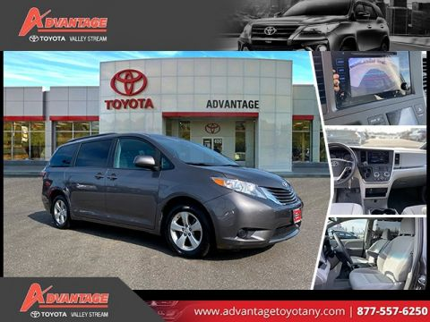 Pre-Owned 2017 Toyota Sienna LE FWD 4D Passenger Van